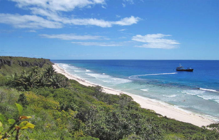 Visiting North Beach, Henderson Island (Photo: Dave Williamson)